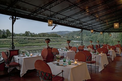 Villa La Massa - Il Verrocchio Restaurant - Terrace  Horizontal