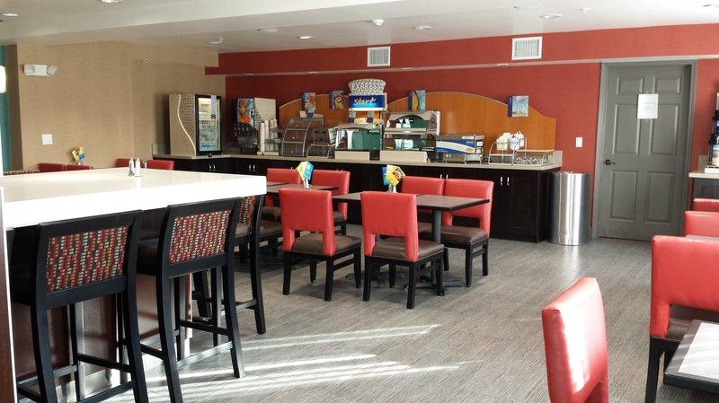 Holiday Inn Express BAKERSFIELD - Bakersfield, CA