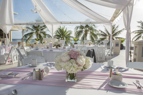 Outrigger Reef on the Beach - Outrigger Reef Waikiki Beach Wedding Voyager Deck