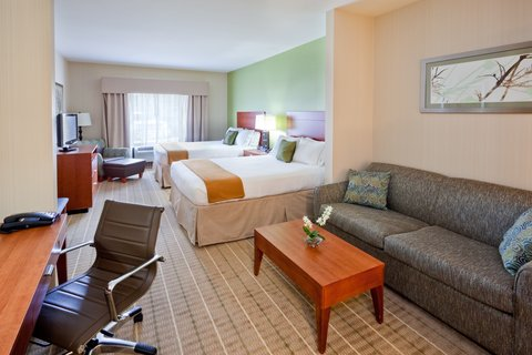 Holiday Inn Express & Suites WESTFIELD - Double Queen Suite with Sleeper Sofa