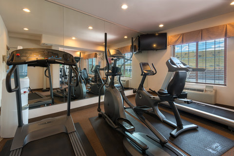 Holiday Inn Express Hotel & Suites Evanston - Fitness Center