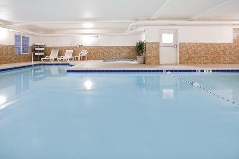 Holiday Inn Express Hotel & Suites Evanston - Swimming Pool