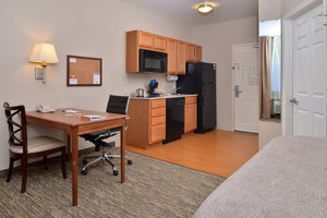 Room - Candlewood Suites Northwoods North Charleston