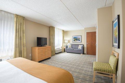 Holiday Inn Express Wheat Ridge-Denver West Hotel - Studio Suite living area