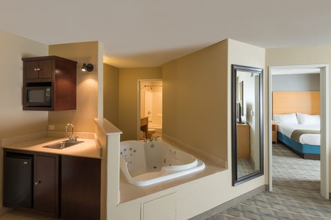 Holiday Inn Express Wheat Ridge-Denver West Hotel - Relax in our Two Queen Suite with spa tub