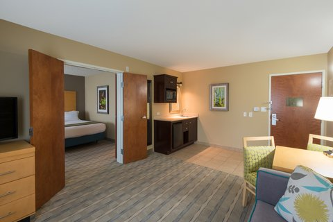 Holiday Inn Express Wheat Ridge-Denver West Hotel - ADA   hearing accessible Two Queen Suite living area