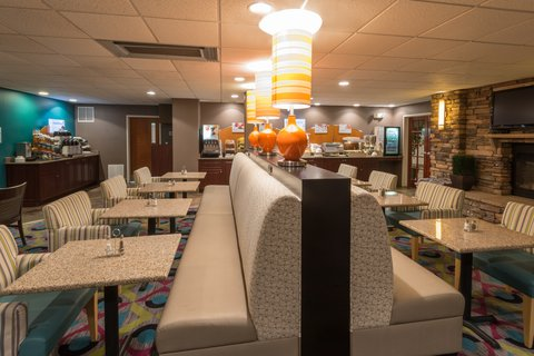 Holiday Inn Express Wheat Ridge-Denver West Hotel - Grab a bite in our Breakfast Area