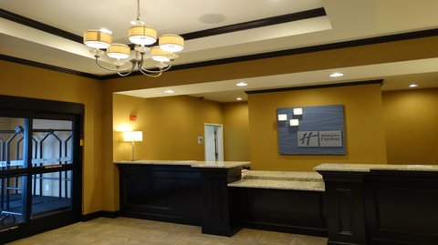 Holiday Inn Express & Suites MONTGOMERY - Front Desk