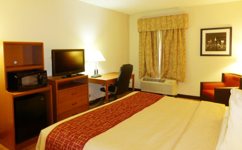 RED ROOF INN AND SUITES NEWNAN