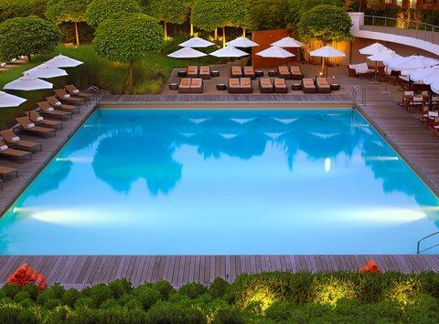 انتركوتيننتال جنيف - Sunset on the Pool  Poolside