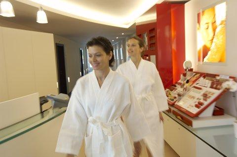 انتركوتيننتال جنيف - Experience a massage in a duo room with your friend at Spa