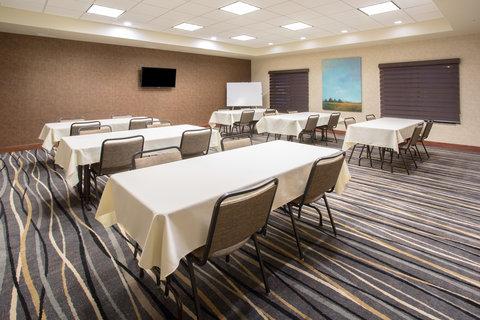 Holiday Inn Express & Suites GLENDIVE - Meeting Room