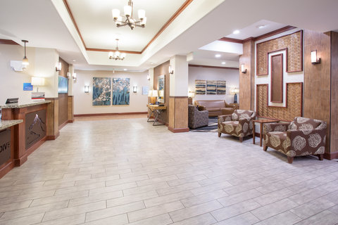 Holiday Inn Express & Suites GLENDIVE - Hotel Lobby