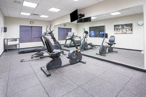 Holiday Inn Express & Suites GLENDIVE - Fitness Center