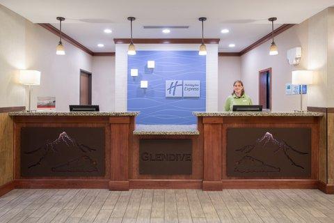 Holiday Inn Express & Suites GLENDIVE - Front Desk