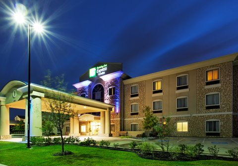 Holiday Inn Express Hotel & Suites Mansfield - Hotel Exterior