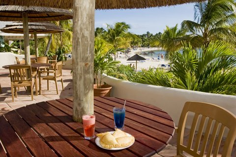St. James Club All Inclusive Hotel - Mamora Beach Bar