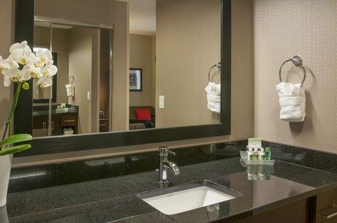 Homewood Stes Denver Dtwn Conv Ctr - HWUrban Suite Bath