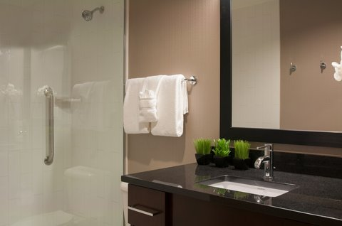 Homewood Stes Denver Dtwn Conv Ctr - Suite Bathroom