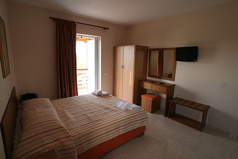 Maria's Filoxenia Suites - Dbl Bed