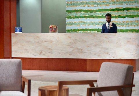 SpringHill Suites Atlanta Buckhead - Front Desk