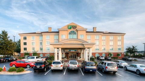 Holiday Inn Express & Suites COLUMBIA-I-26 @ HARBISON BLVD - Relax at the Holiday Inn Express   Suites Hotel