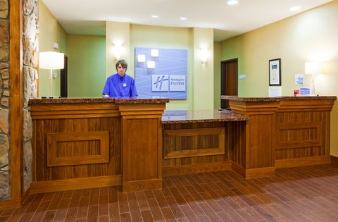 Holiday Inn Express & Suites MOUNTAIN IRON (VIRGINIA) - Front Desk welcomes you