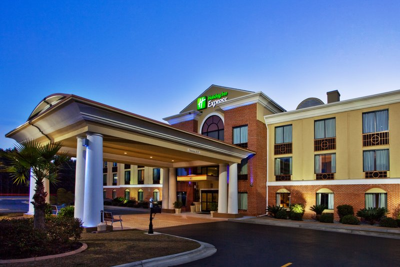 HOLIDAY INN EXP HINESVILLE E