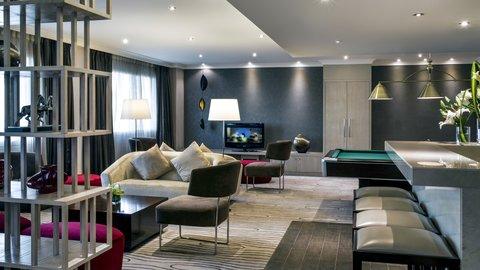 فندق كراون بلازا ديرة دبي - Crew Lounge