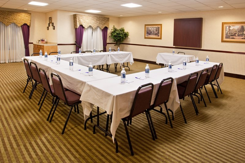Holiday Inn Express & Suites CIRCLEVILLE - Jackson, MS