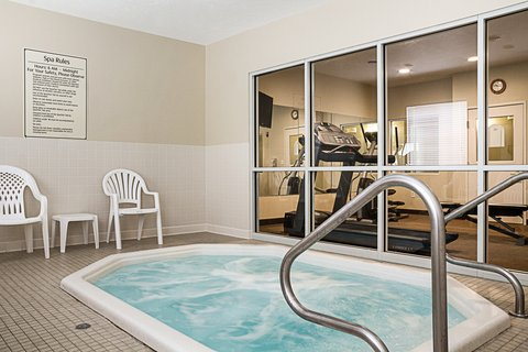 MainStay Suites Fargo - Hot Tub