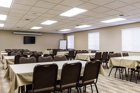 MainStay Suites Fargo - Meeting Room