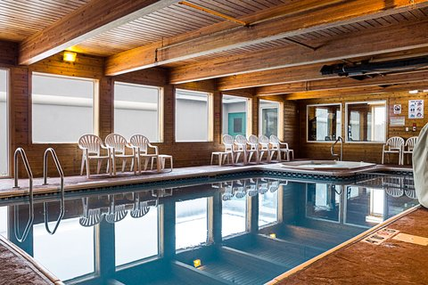 MainStay Suites Fargo - Pool