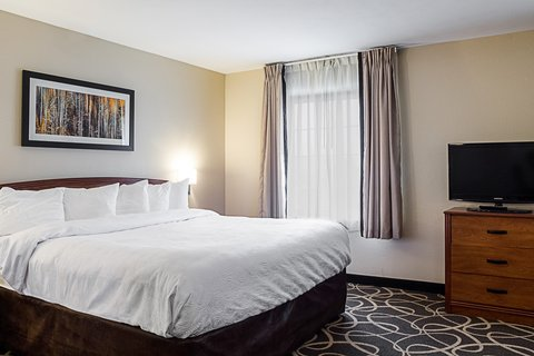 MainStay Suites Fargo - King Suite