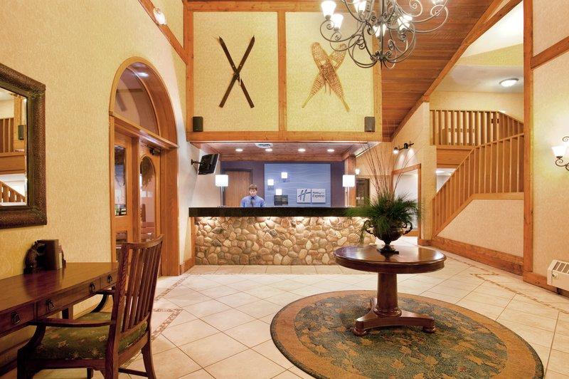 Holiday Inn Express GAYLORD - Waters, MI