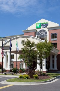 Exterior view - Holiday Inn Express Hotel & Suites CSU