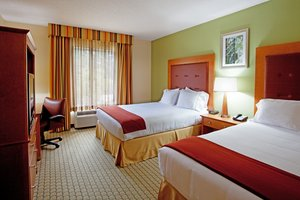 Room - Holiday Inn Express Hotel & Suites CSU