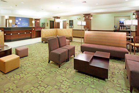 Holiday Inn Express & Suites GARDEN CITY - Lobby Lounge