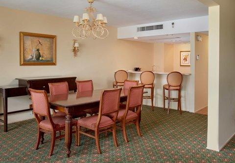 Curacao Marriott Beach Resort & Emerald Casino - Presidential Suite - Meeting Area   Bar
