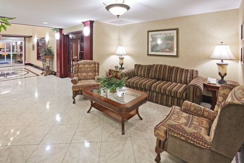 Holiday Inn Express & Suites GAINESVILLE - Hotel Lobby