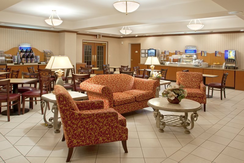 Holiday Inn Express & Suites ERIE (SUMMIT TOWNSHIP) - Erie, PA