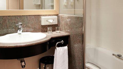 Holiday Inn ANDORRA - Guest Bathroom