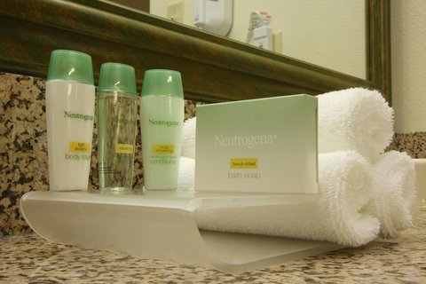 Homewood Suites by Hilton Brownsville - Bath Amenities