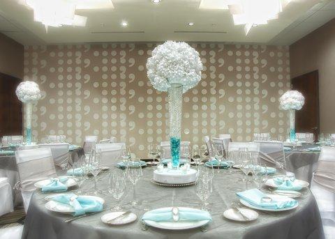 Homewood Stes Denver Dtwn Conv Ctr - Wedding Banquet Table