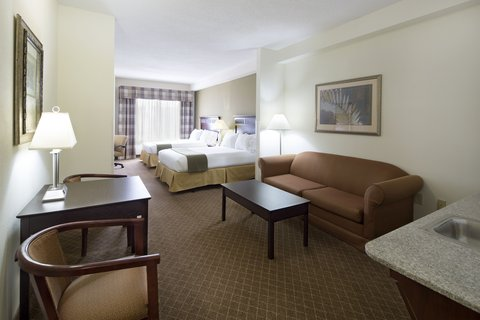 Holiday Inn Express & Suites GADSDEN W-NEAR ATTALLA - two queen suite with queen size sofa bed   Great for families