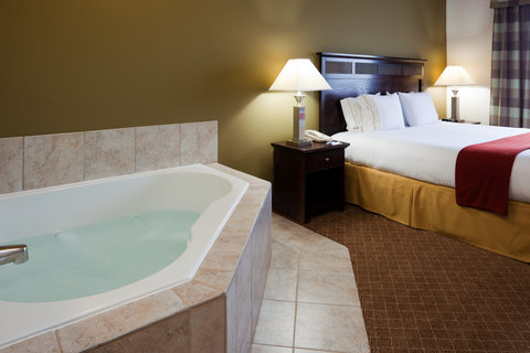 Holiday Inn Express & Suites GADSDEN W-NEAR ATTALLA - Jacuzzi Suite