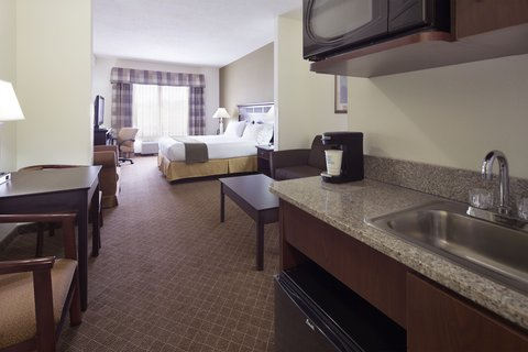 Holiday Inn Express & Suites GADSDEN W-NEAR ATTALLA - King suite with queen size sofa bed