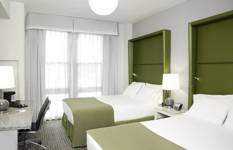 Holiday Inn Express CHICAGO - MAGNIFICENT MILE - Double Bed Guest Room
