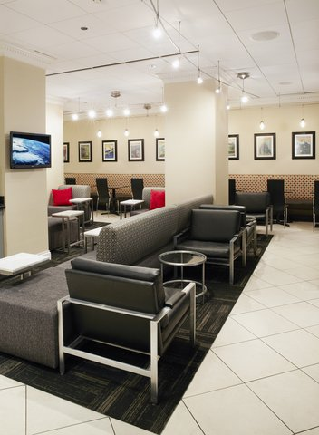 Holiday Inn Express CHICAGO - MAGNIFICENT MILE - Hotel Cass Lobby Lounge