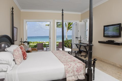 Tortuga Bay Hotel - Ocean Front Two bedrooms Suite - Main Room